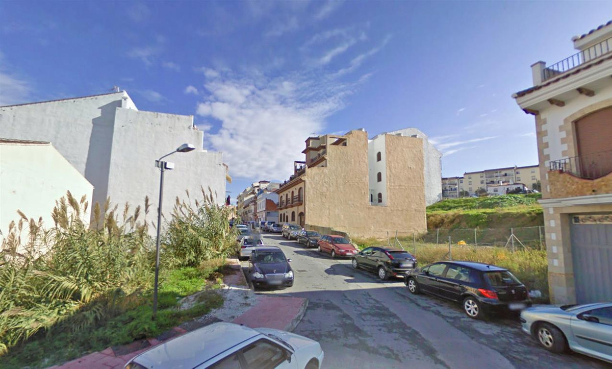 Fantastic urban plot in Alhaurin el Grande. The plot is facing two streets. Ideal location, close to, Spain
