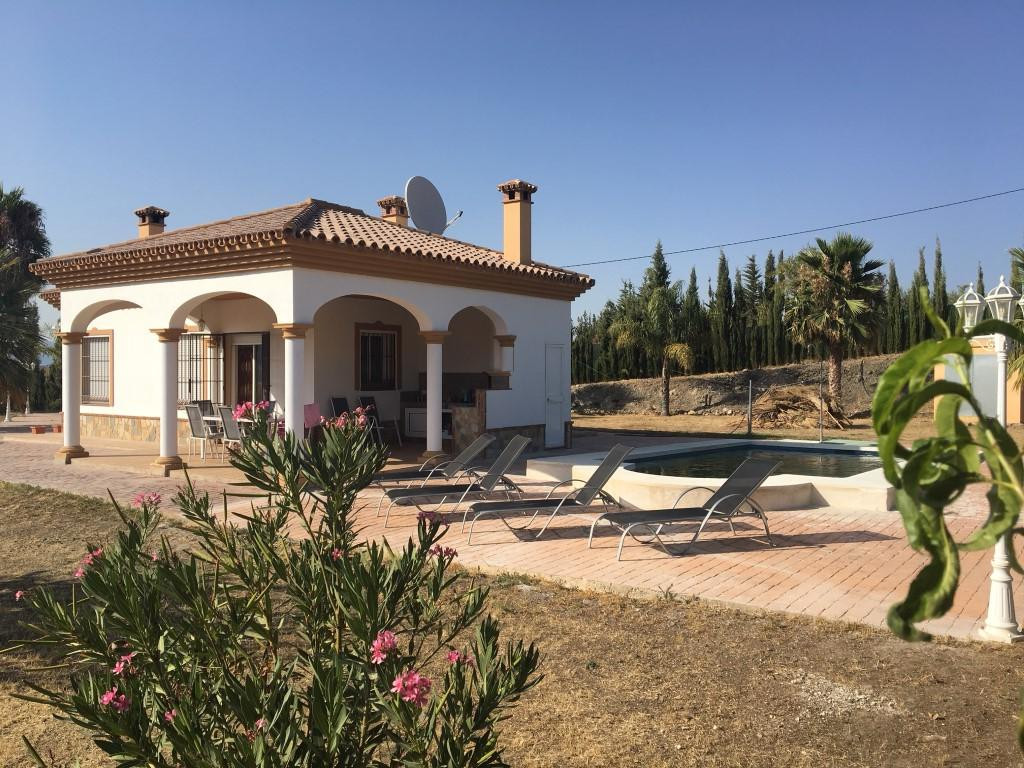 Beautiful modern country property on the outskirts of Coin with very good road access. The property , Spain