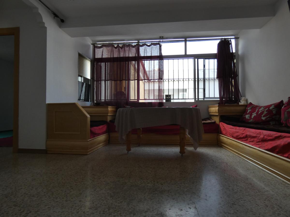 3 Dormitorios - 1.5 Baños