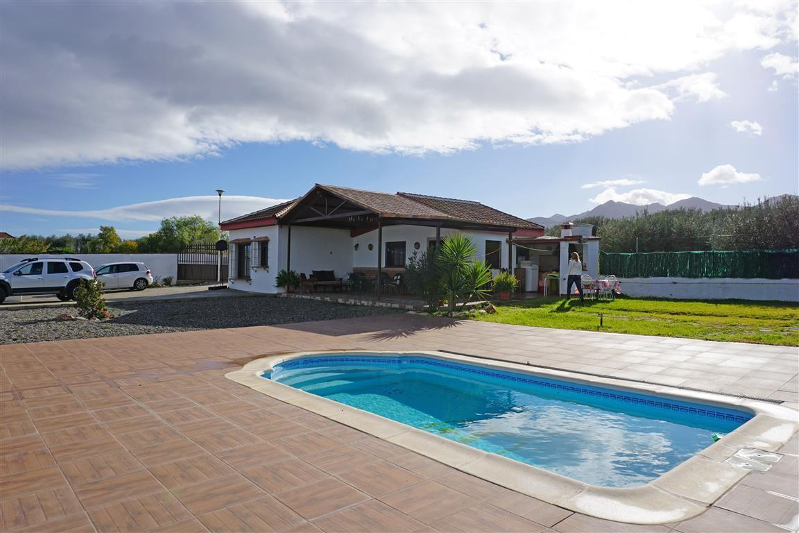 Country house with beautiful views located near Alhaurin el Grande, just 5 minutes from the town. Th, Spain