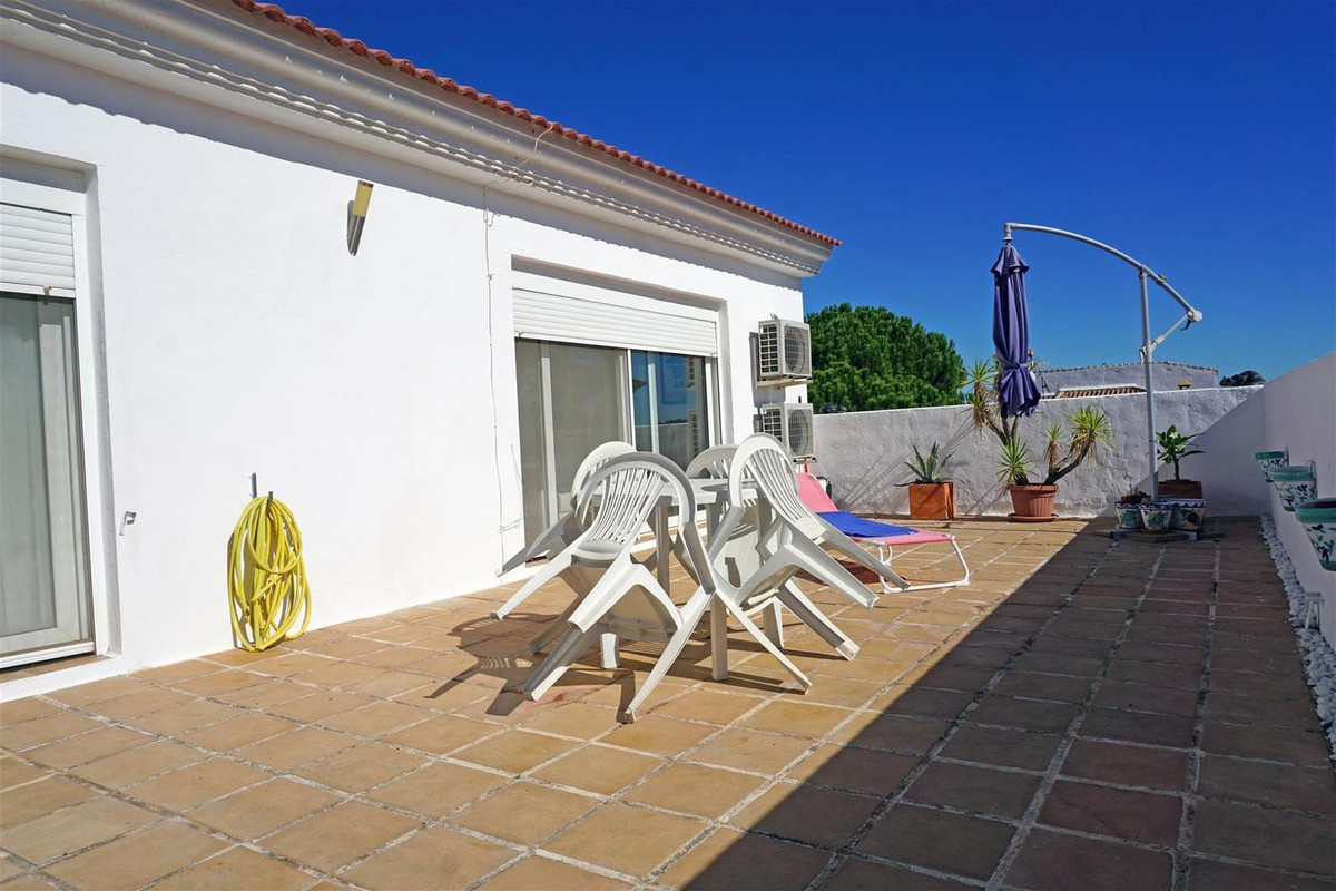 R2014118: Townhouse for sale in Guaro