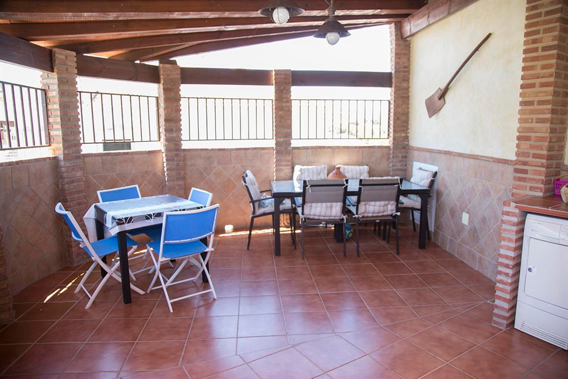 Penthouse in the centre of Alhaurin el Grande, close to all services and near public transport. It c, Spain