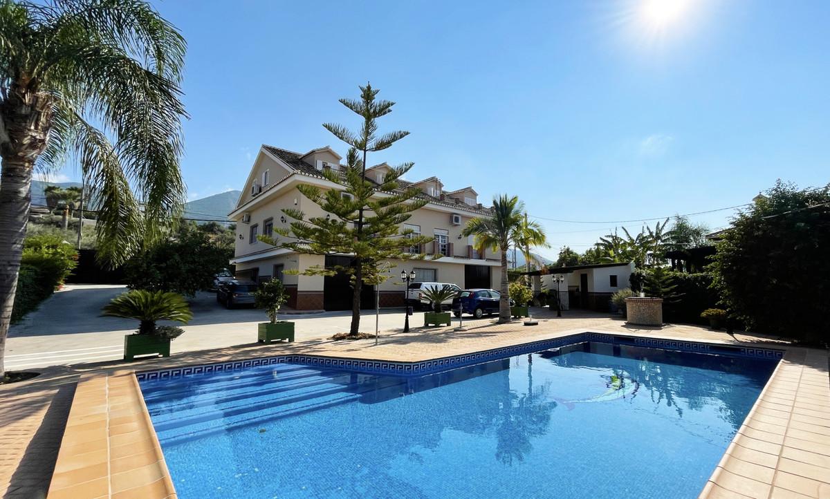 Villa 7 Dormitorios en Venta Alhaurín el Grande