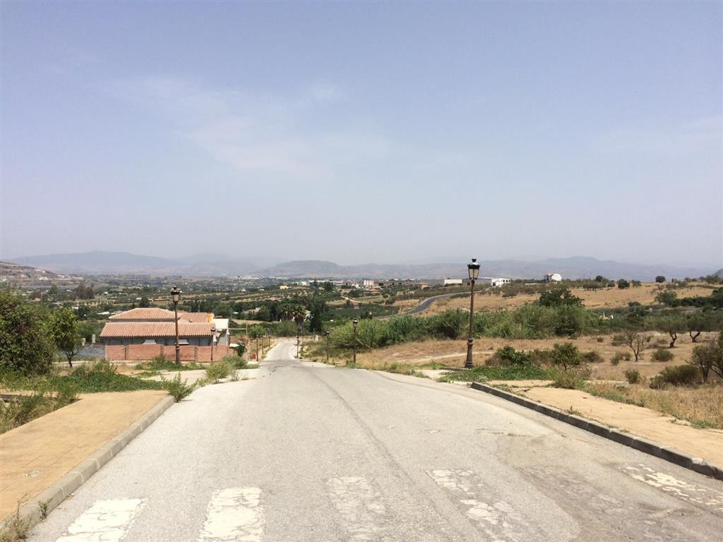 Urban plot, based in a residential area on the outskirts of Alhaurin el Grande, close to shops and r, Spain