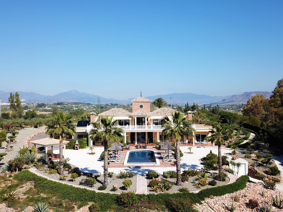Considered to be one of the most prestigious properties in the area, this stunning luxury Bed & ,Spain