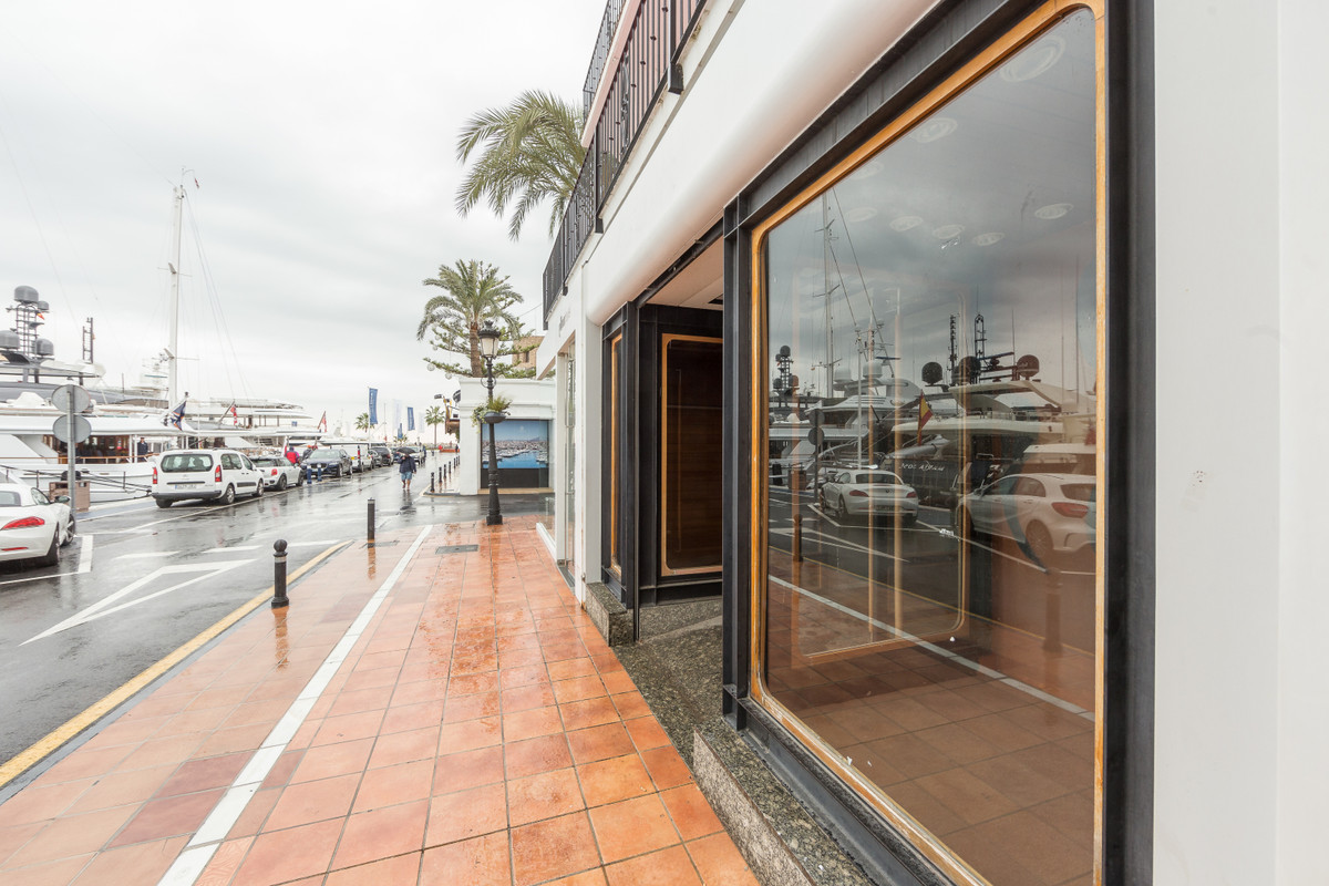 Fantastic commercial premise space located in Puerto Banus, right in front of the marina. It also ha,Spain