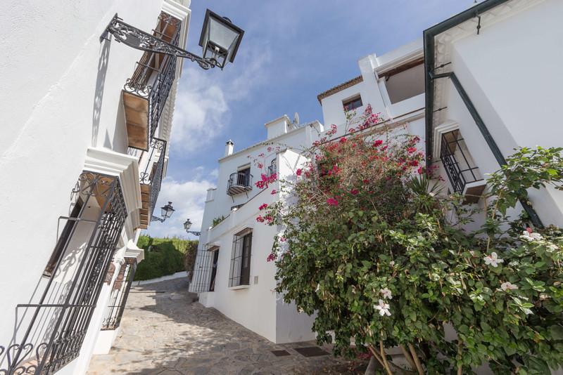 Marbella Banus Adosada en venta en Marbella – R3540313