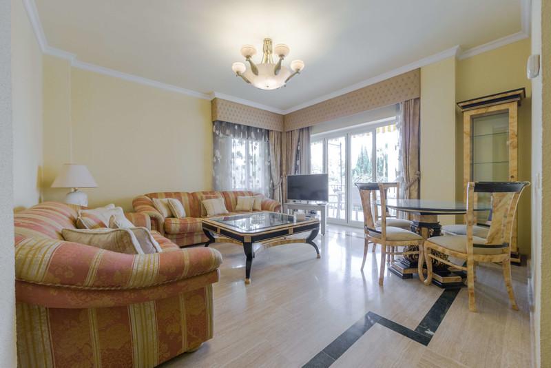 Marbella Banus Apartamento Planta Media en venta, Puerto Banús – R3541294