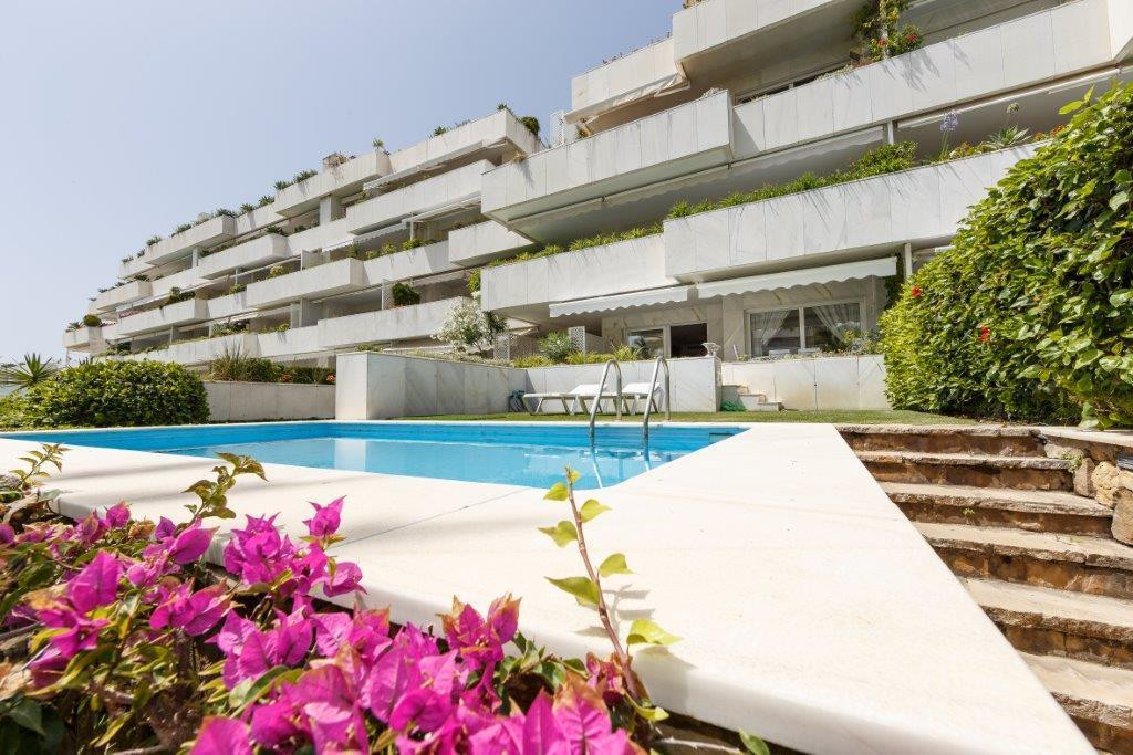 Located one of the most luxurious urbanizations of Puerto Banus, on the seafront, this spacious two-,Spain