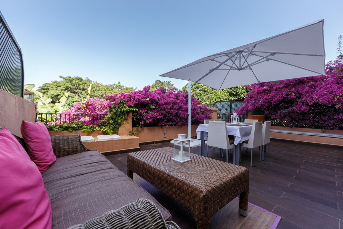 Ground floor in Guadalmina with a large sunny terrace within walking distance of all services and th,Spain