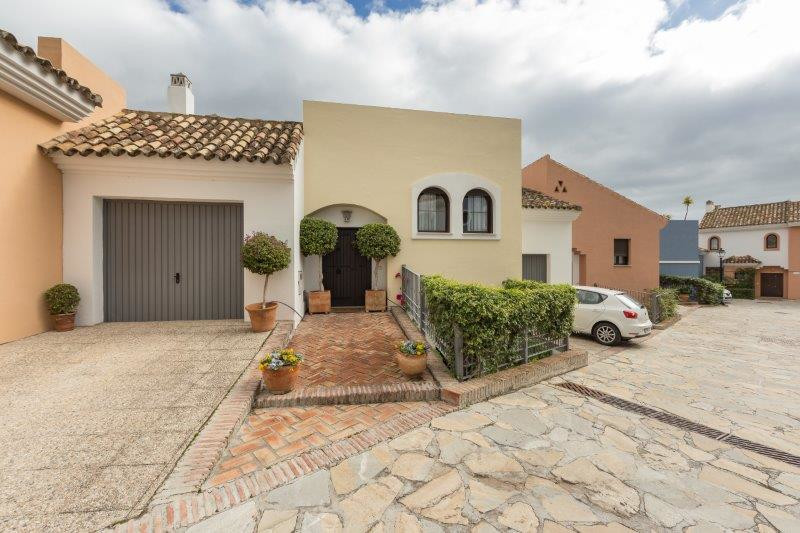This house is very special due to its size and its comfortable distribution. It begins with an entra,Spain