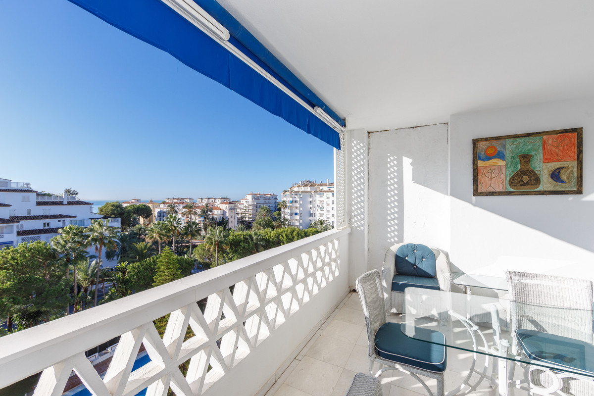 Elegant and spacious two bedroom apartment on the fourth floor in Puerto Banus. It is located in one, Spain