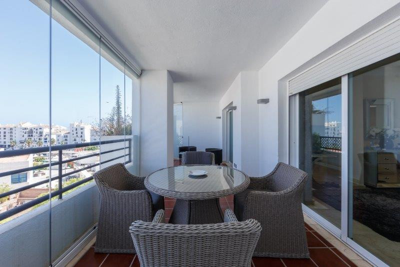 Situated in a central location within walking distance from the shops, restaurants, cafes, marina an,Spain
