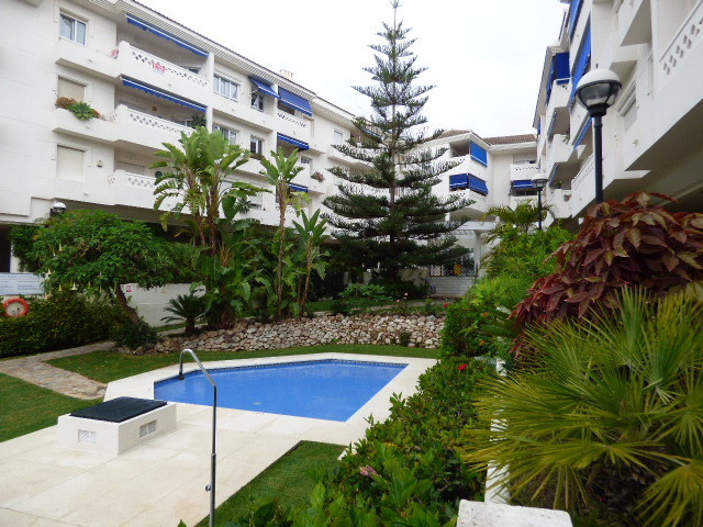 Penthouse located in the new Boulevard of San Pedro de Alcantara. It has two separate entrances. 4 b,Spain