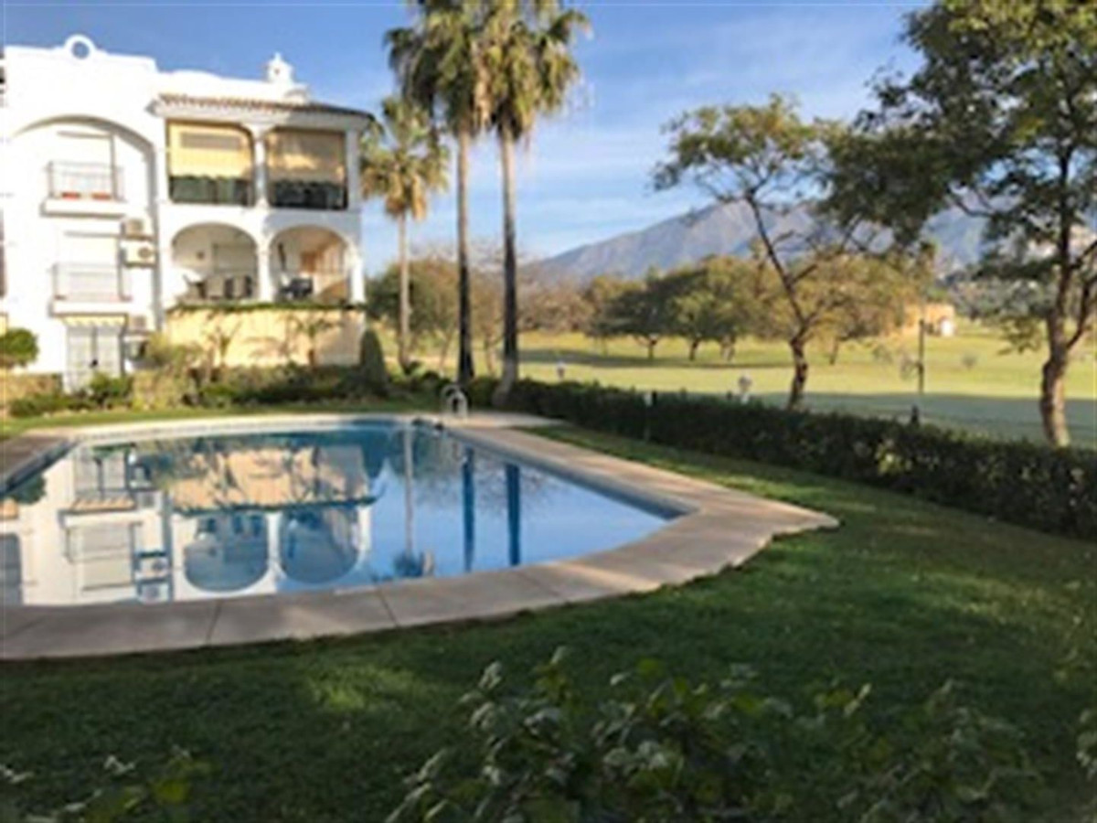 This lovely, sunny, front-line golf apartment must be seen. It is in excellent condition and has a l,Spain