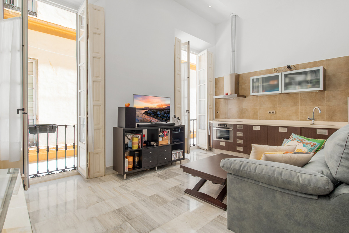 Whether you are looking for an investment or personal purchase, this 1 bedroom studio apartment is t,Spain