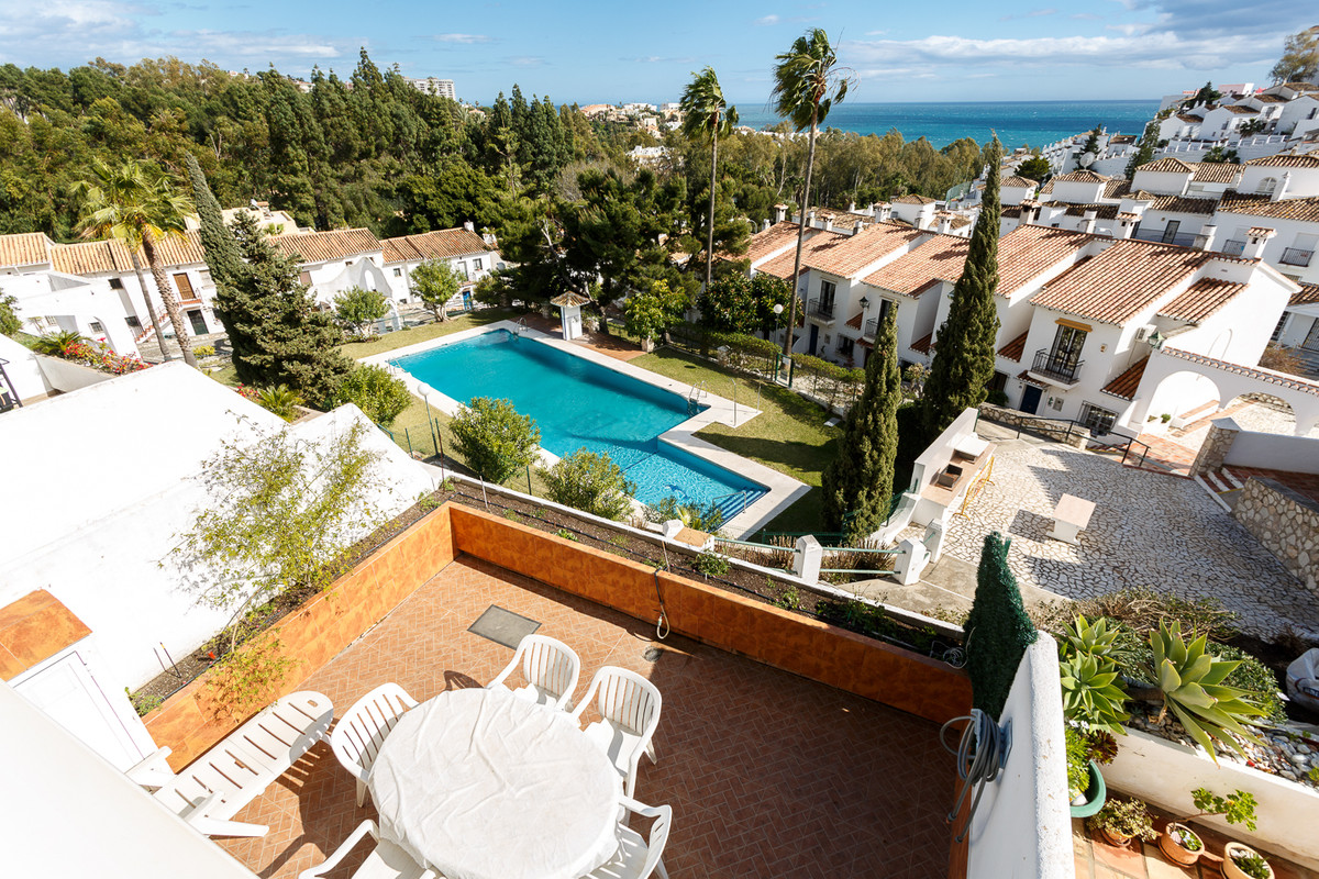 Would you like to live in a quiet area, but close to all the amenities and services at the same time,Spain