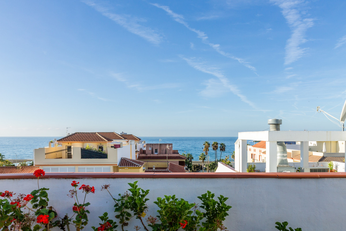 Centrally located, this modern and spacious apartment is only 100m from the beach and close to all a, Spain