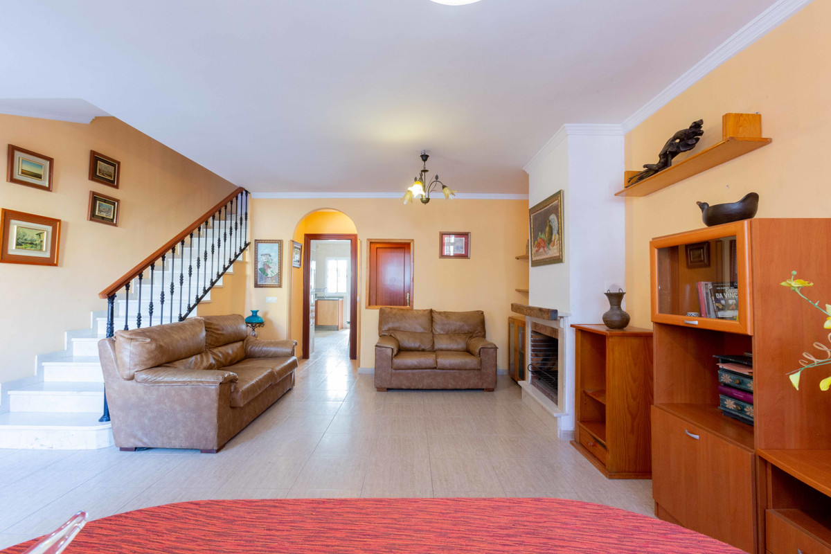 Magnificent townhouse in Almayate Bajo one step away from Torre del Mar  Magnificent terraced house ,Spain