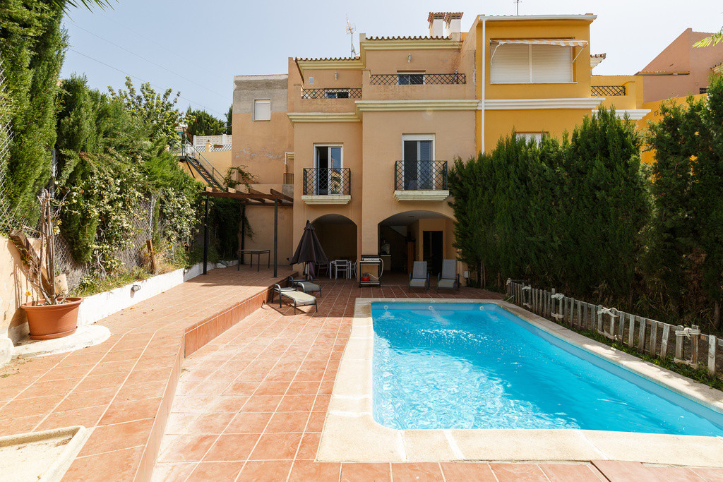 Enjoy this quiet paradise with views, close to the beach !!  Magnificent 3d / 3b in small urbanizati, Spain