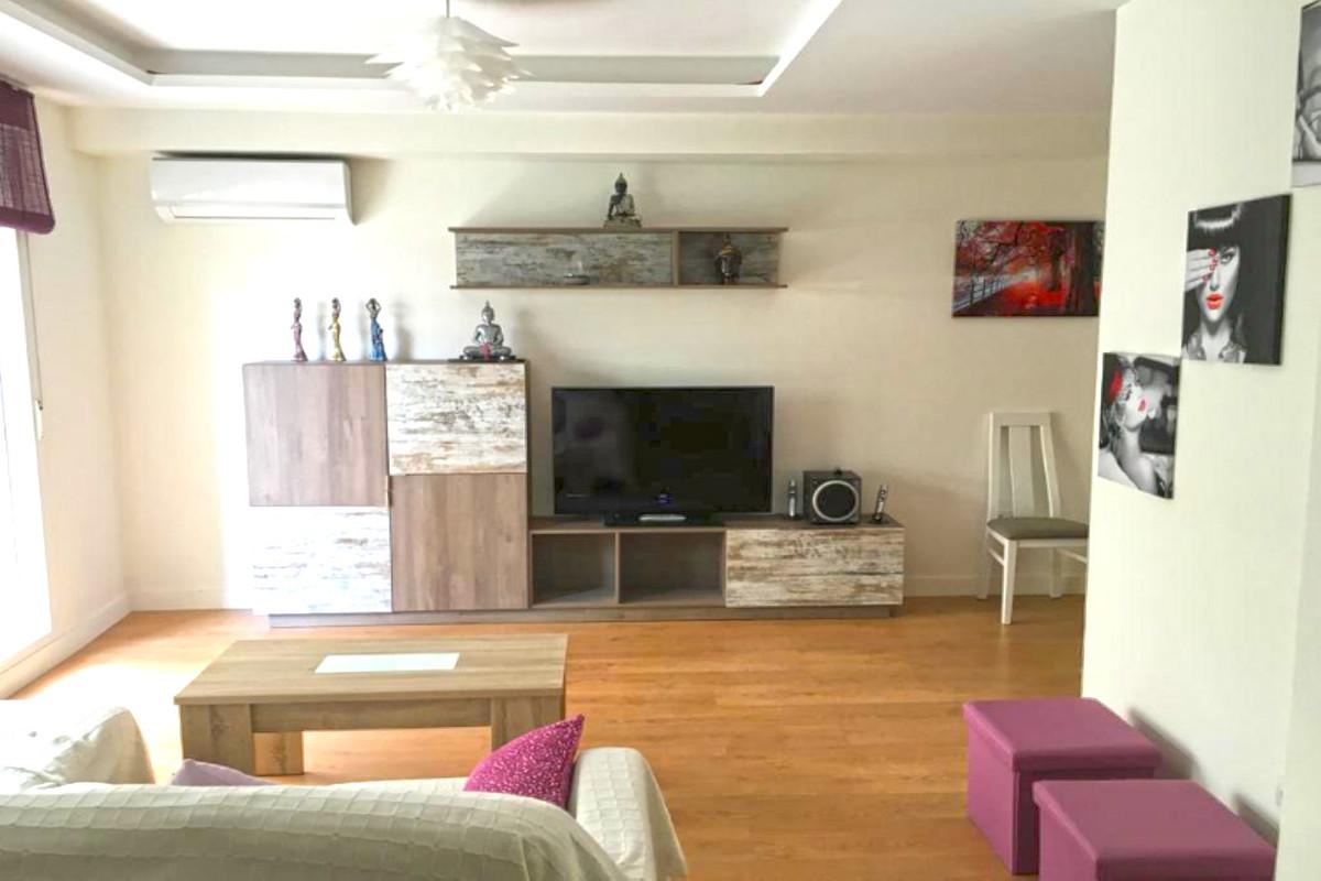Marbella Banus Apartamento Planta Media en Venta en Marbella – R3759268