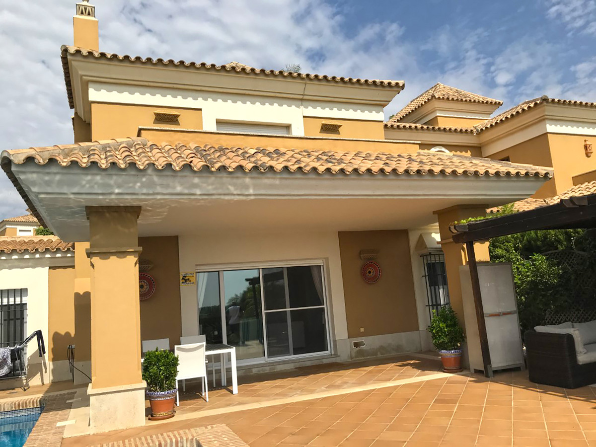 Beautiful individual villa located in a gated urbanization with 24 hours security. First line Santa ,Spain