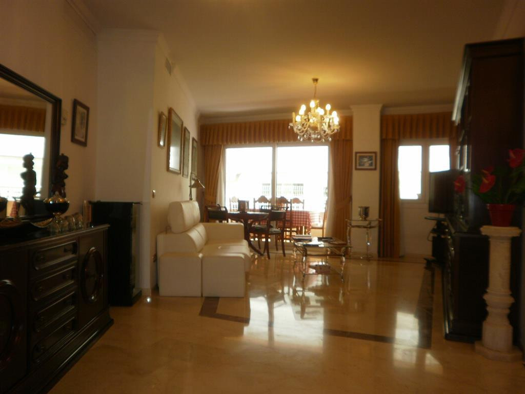 Downtown apartment located a few meters from Marbella promenade. Facing East. It has a total floor a,Spain