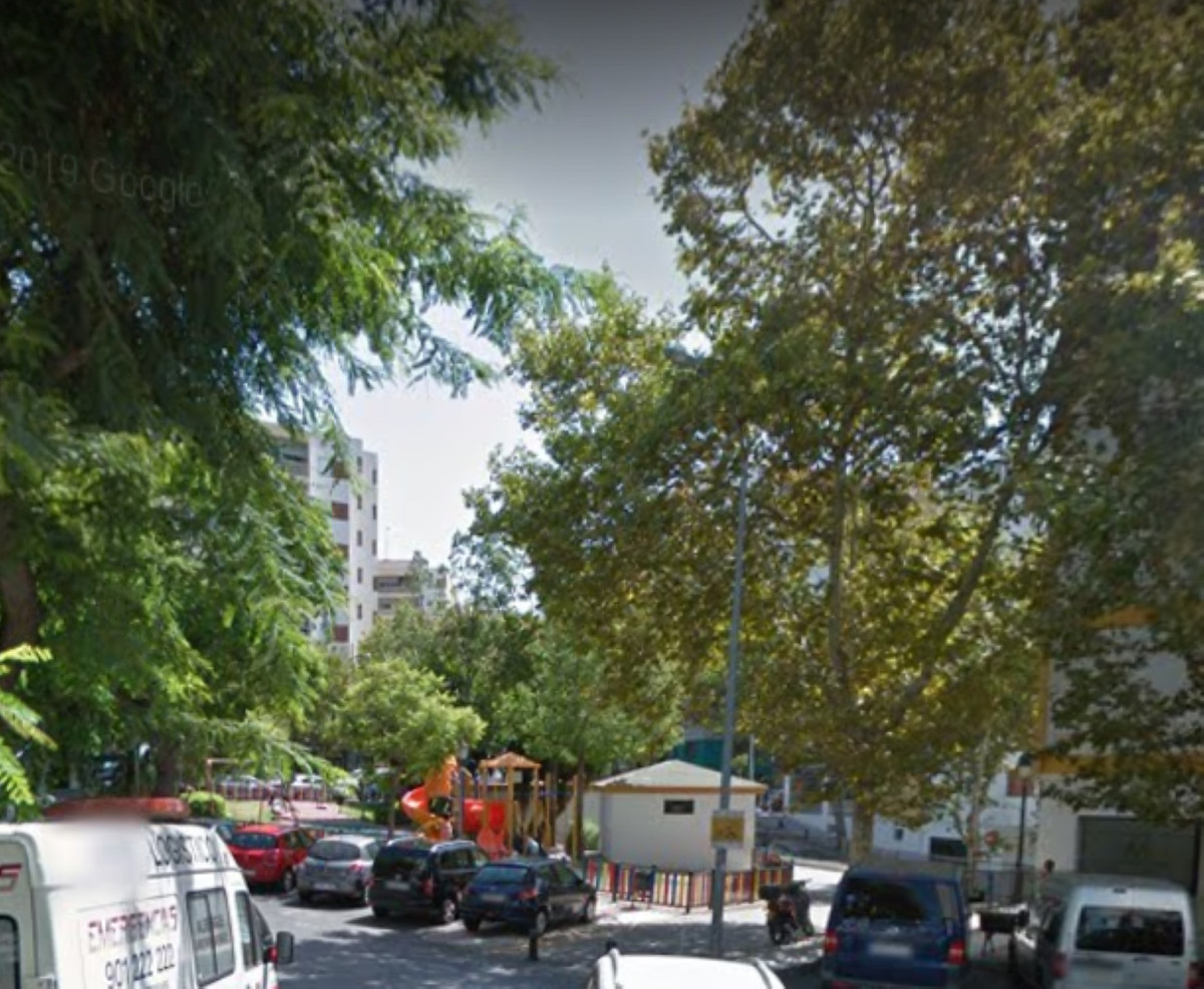 A  tree  bedrooms  apartment in a quite area of Marella, 5 minutes away form  the city center  and s,Spain