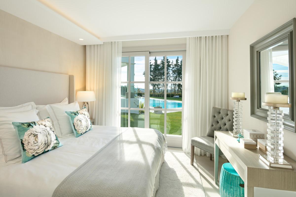 Villa con 6 Dormitorios en Venta Nueva Andalucía