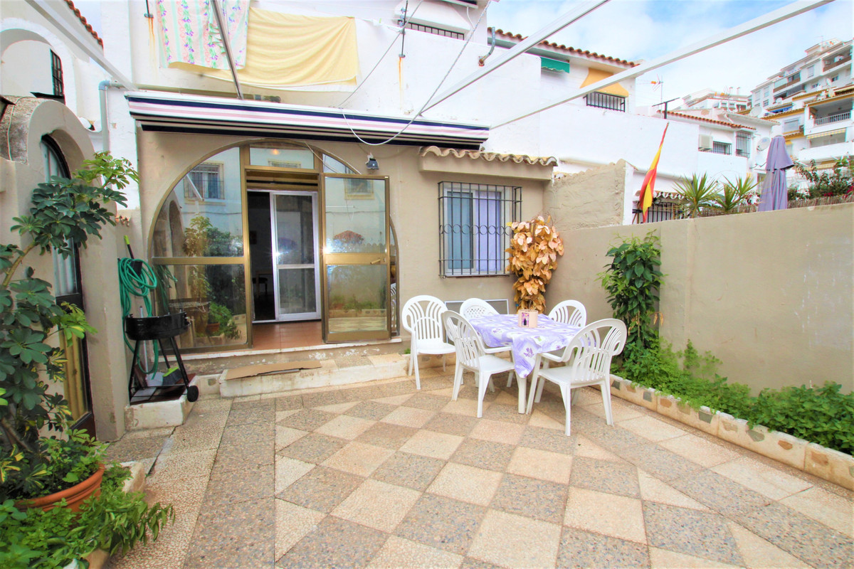 TOWNHOUSE 2º LINEA PLAYA !! Townhouse located in Avenida de las Palmeras, just 200 meters from the b, Spain