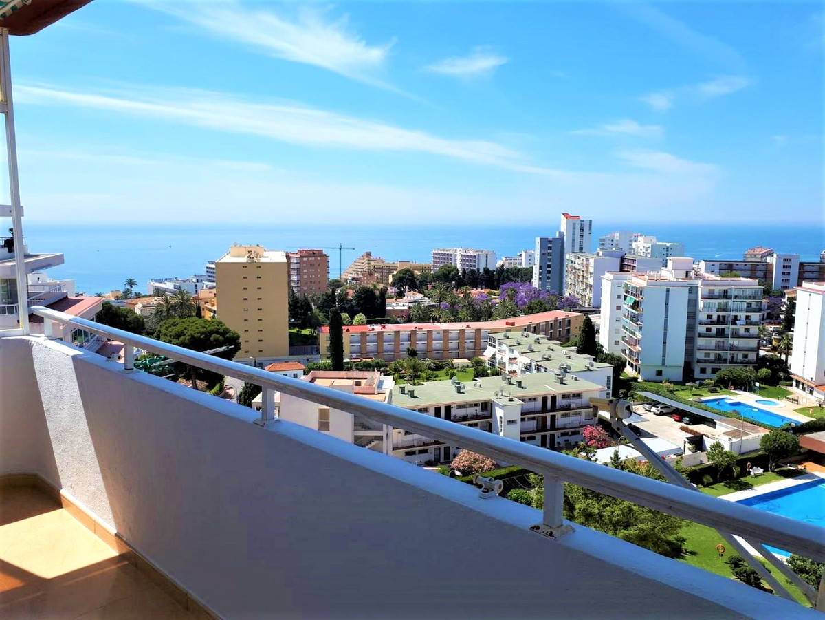 CORNER SEA VIEWS !!! Beautiful corner apartment in Benalmadena Costa. Fully renovated electricity an, Spain