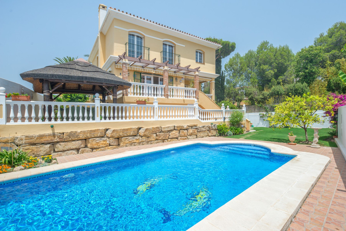 PRICE REDUCED from € 695,000 ----- This perfectly maintained villa is located just a 10 minute walk ,Spain