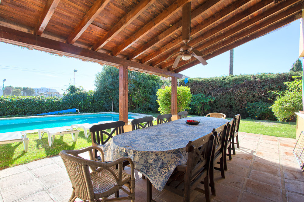 8 Bedroom Villa for sale San Pedro de Alcántara