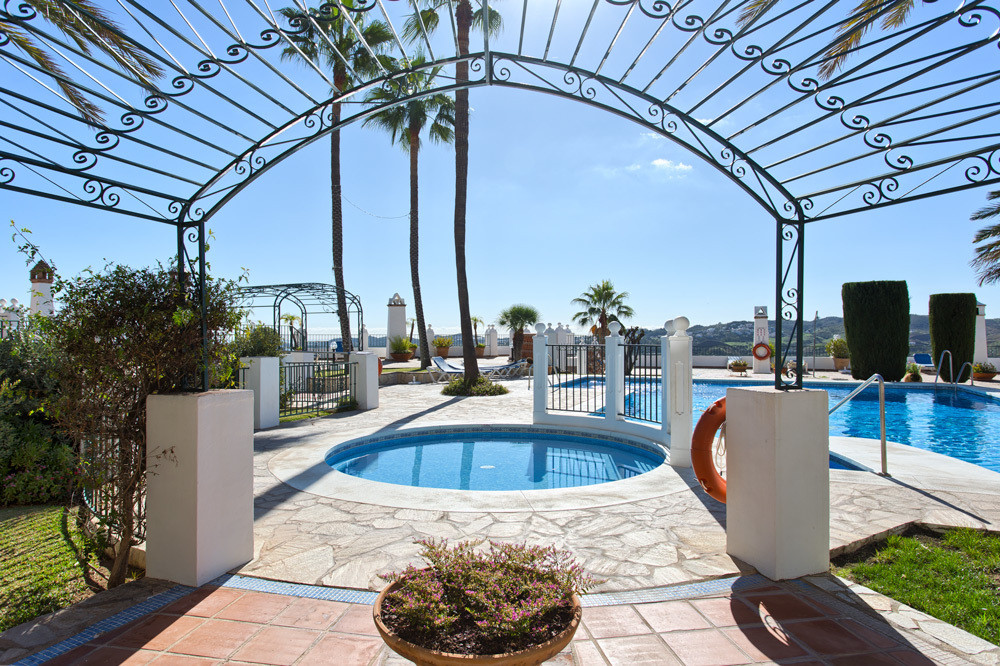 PRICE REDUCED from € 299,000 ------ Puebla Aida is a unique Andalusian style village situated in Mij,Spain