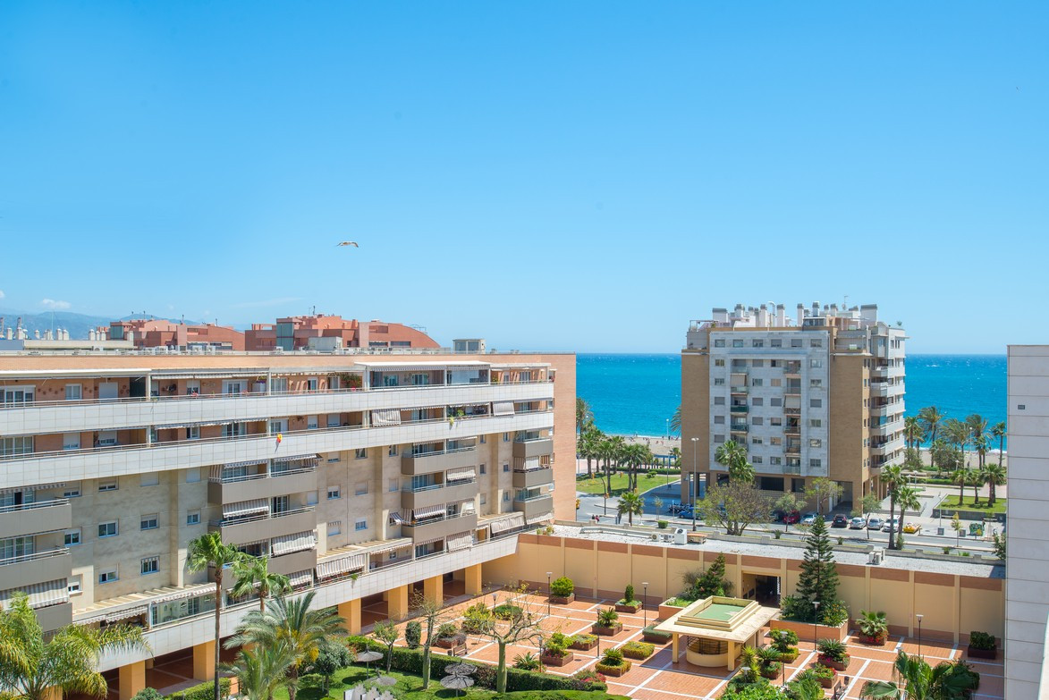 This 4 bedroom corner penthouse is located just steps from the beach, local shops and restaurants in,Spain