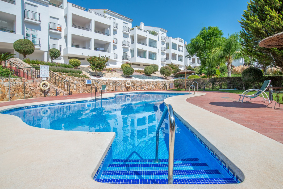 This attractive apartment is located on the outskirts of Alhaurin el Grande in phase 5 of the popula,Spain
