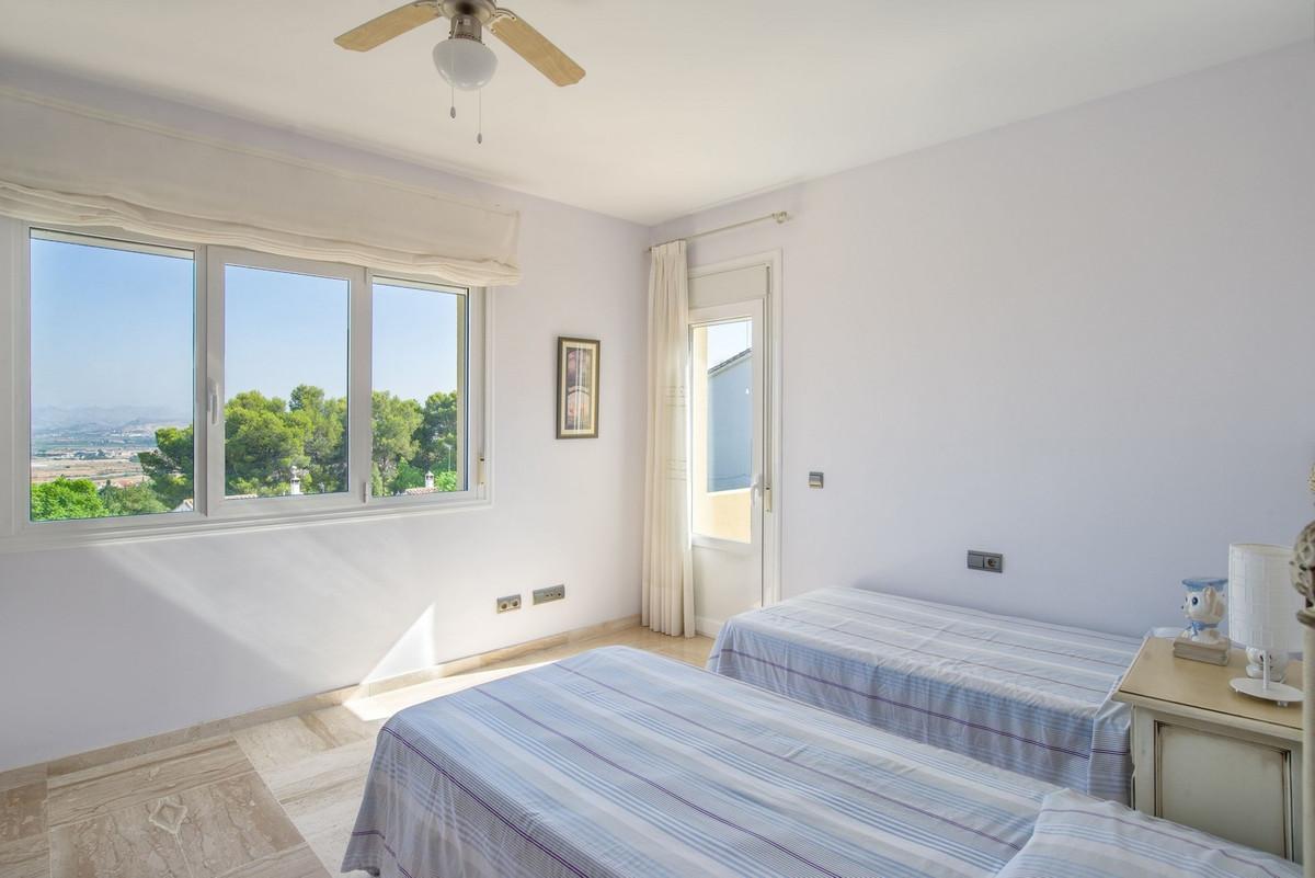 House in Alhaurín de la Torre R3235717 15