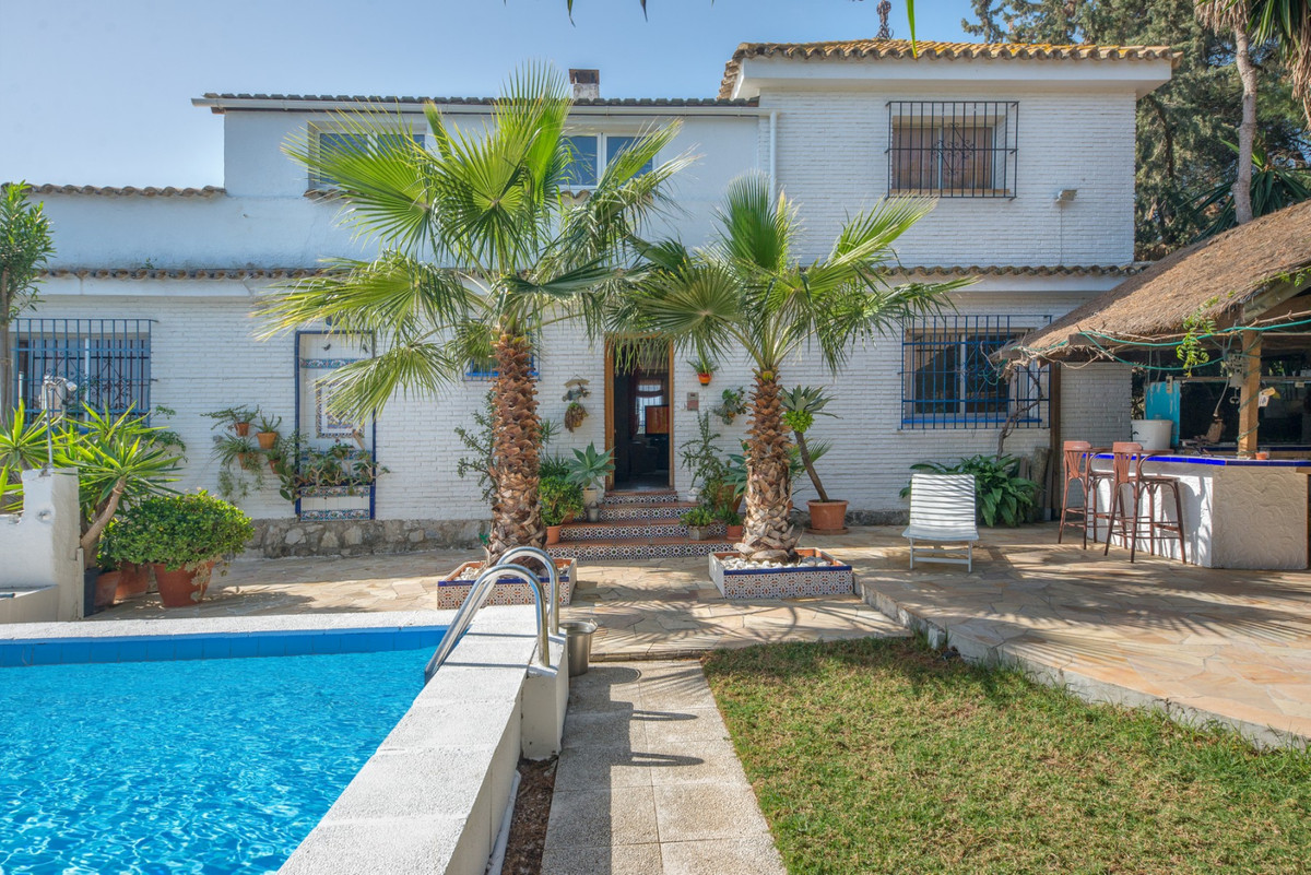 This is a villa with incredible potential if you'd like to start your own Bed & Breakfast. , Spain
