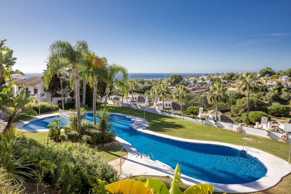 Marbella Banus Apartamento en Venta en Calahonda – R3561124