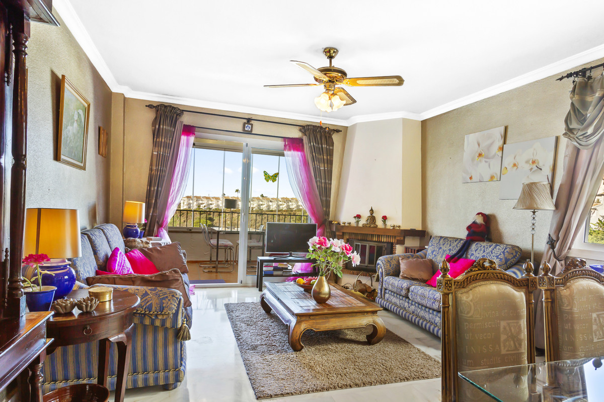 Apartment Middle Floor Calahonda Málaga Costa del Sol R3561124 4