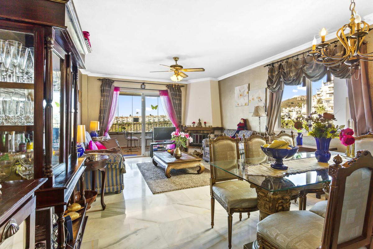 Apartment Middle Floor Calahonda Málaga Costa del Sol R3561124 7