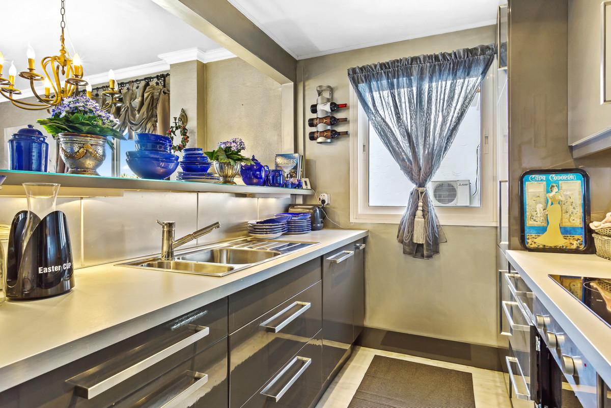 Apartment Middle Floor Calahonda Málaga Costa del Sol R3561124 9