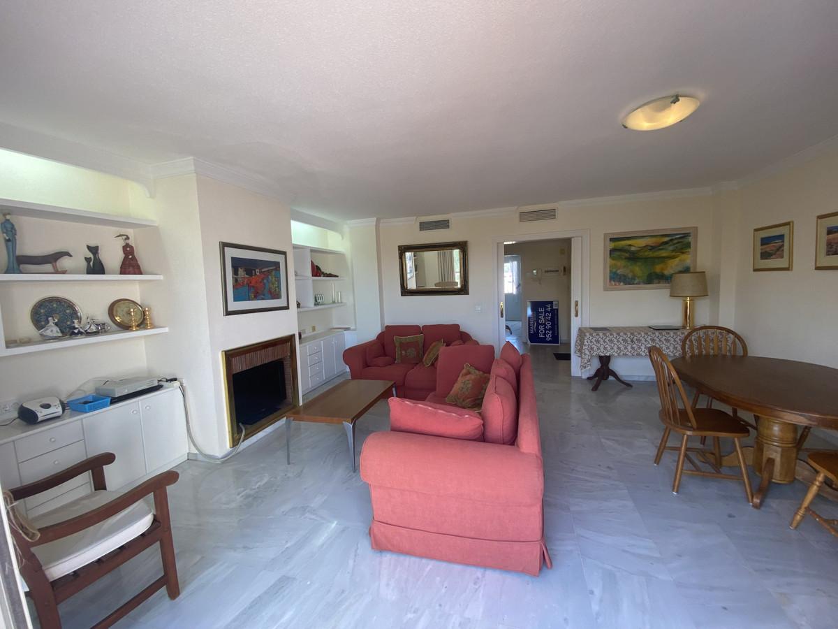 Apartamento en Venta en Atalaya – R3866416