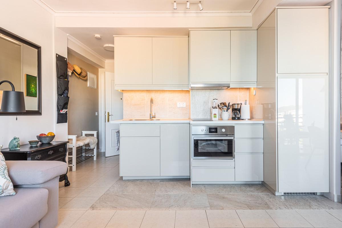 Apartamento Planta Media en Venta en Marbella – R3725834