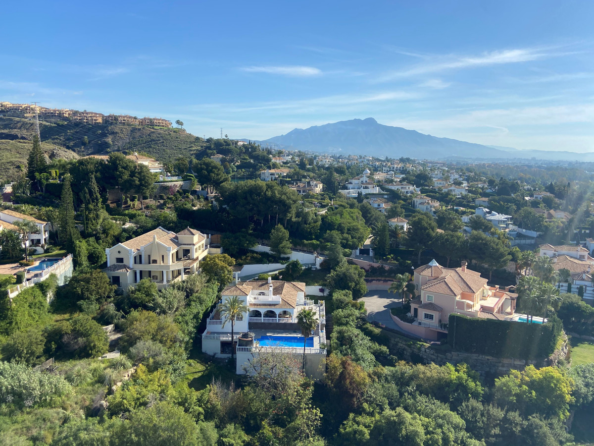 Detached Villa for sale in El Paraiso R3838936