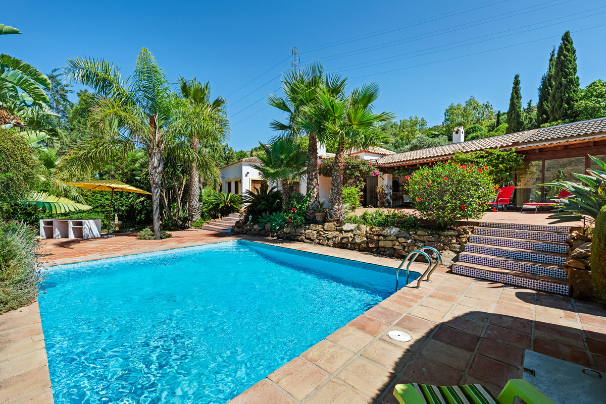 Beautiful and very charming country house located only 4 kilometers from the center of Estepona. The,Spain