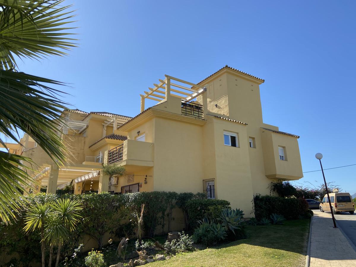 Marbella Banus Adosada en Venta en New Golden Mile – R3610199