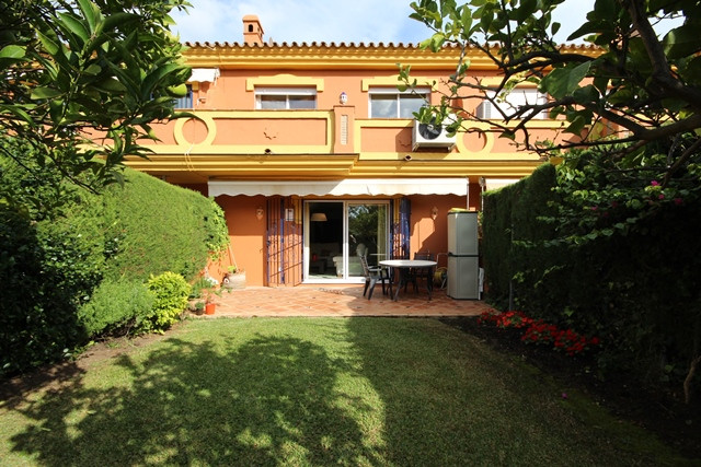 Spacious east west facing town house located close to San Pedro  The community is gated and well mai,Spain