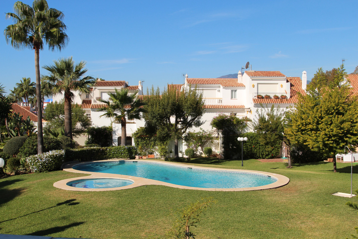 Townhouse for sale in Atalaya R3528880