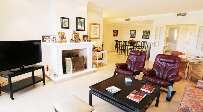 Middle Floor Apartment in La Quinta